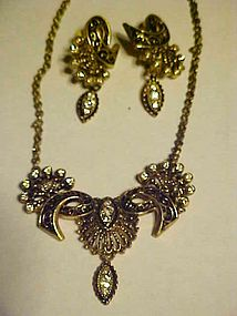 Classy Victorian style drop necklace and earrings