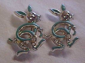 Vintage pair of Kangaroo pins