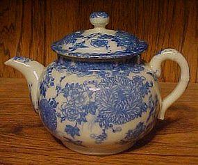 Vintage flow blue Crysanthemum individual teapot