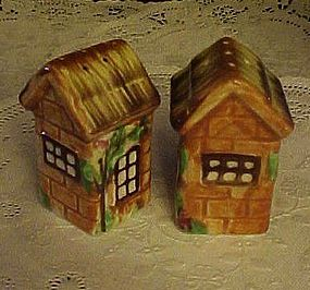 Vintage ceramic thatched cottage salt & pepper shakers