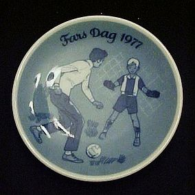 1977 Fars Dag limited Ed delft plate Porsgrunds Norway