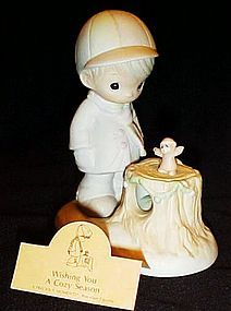 Precious Moments Wishing you a cozy season figurine