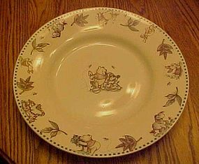 Disney Winnie the Pooh dinner plate leaves border