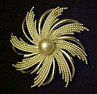 Sarah Coventry silvertone PINWHEEL pin 1970's
