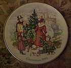 Avon Christmas 1990 plate Bringing Christmas Home