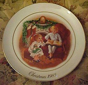 Avon 1983 Enjoying the Night before Christmas plate
