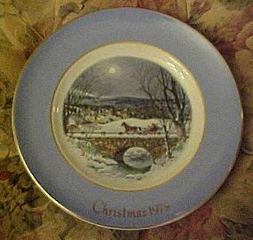 Avon 1979 Christmas plate Dashing through the snow
