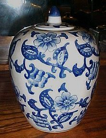 Chinese porcelain blue and white floral ginger jar