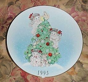 Dreamsicles 1995 Christmas plate The finishing touches