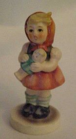 Hummel 239/B figurine  girl with doll 1967