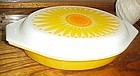 Pyrex Sunburst 1 1/2 qt divided casserole dish