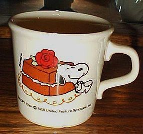1958 Snoopy and chocolate cake / Rose cup Taylor Int...