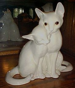 Vintage white liliac point siamese cats figurine