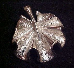 Sarah Coventry  silvertone water lily pad pin