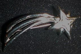 Trifari silver tone shooting star pin