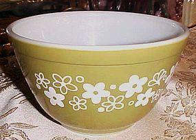 Pyrex spring Blossom Crazy Daisy 1 1/2 qt mixing bowl