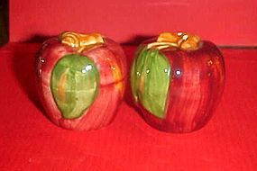 Hand painted red delicious apples salt pepper shakers