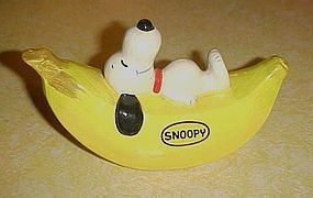 Vintage Peanuts Snoopy on Banana bank