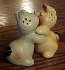 Vintage Van Tellingen bear hugger salt and pepper shakers