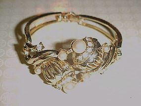 Vintage Coro goldtone bracelet with rhinestones and pearls