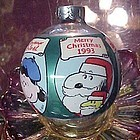 Hallmark 1993 ball ornament Peanuts gang Merry Christmas all languages
