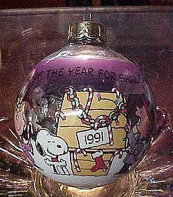 1991 Hallmark Peanuts gang glass ball ornament Time of year good cheer