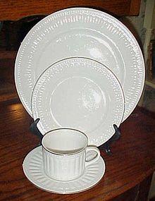 Oneida Majestic Ware Athena Gold dinner plate