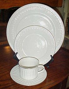 Oneida majestic ware Athena Gold matching cup with saucer