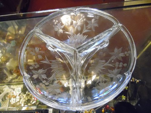 Vintage Imperial #588 Piecrust relish dish floral cutting 204