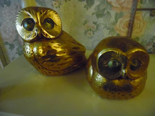 Retro Gold Momma owl and baby figurines