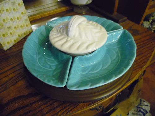 California USA 709 turquoise and white retro lazy susan set