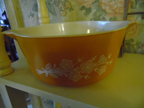 PYREX Dish-Uncovered-Butterfly Gold Flower Ovenware 2.5