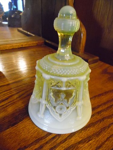 Fenton Vaseline yellow Opalescent Sable Arch Art Glass-Bell