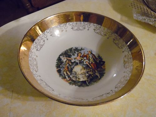 "Sabin Crest O Gold 9"" round vegetable serving bowl,  rare one"