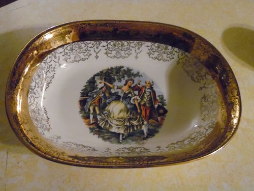 Sabin Crest O Gold oval vegetable serving bowl