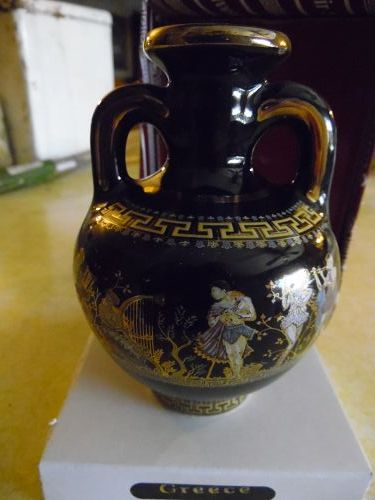 Greecian ceramic souvenir vase with lots of gold. Original box