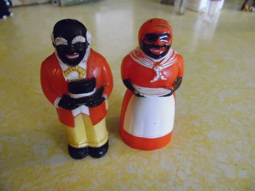 F&F Mold and Dye Works plastic Aunt Jemima and Uncle Moses shakers
