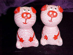 Pink pigs salt & pepper shakers