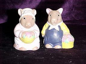 Mr & Mrs. Mouse salt & pepper shakers