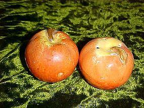 Little apples salt and pepper shakers
