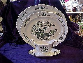 Wedgewood Green Leaf (Queens shape) serving pieces