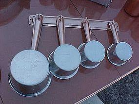 Retro aluminum and copper tone measuring cup set