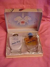 Vintage Mais Oui boxed gift set by Bourjois 1949