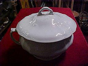 Johnson Brothers Royal Ironstone chamber pot and lid