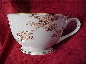 Fukagawa  Arita china cup, Maple pattern 505