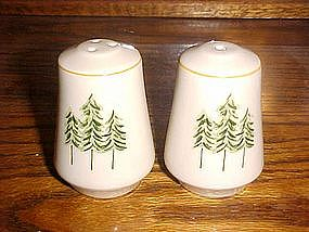 Pine tree design salt and pepper shakers