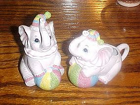 Circus elephants, creamer and sugar set