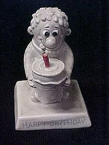 Berries sentiment statue, Happy Birthday