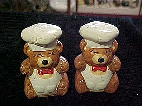 Little bear chef, salt and pepper shakers