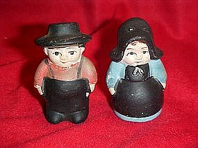 Amish couple salt and pepper shakers